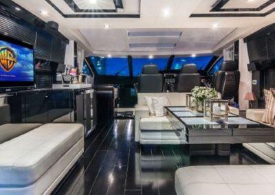 74 Sunseeker yacht salon