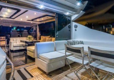 74 Sunseeker yacht dining