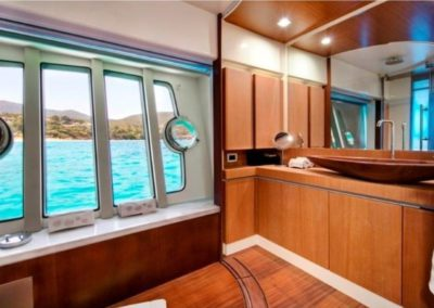 75 Ferretti yacht master stateroom bathroom