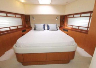 75 Ferretti yacht guest cabin