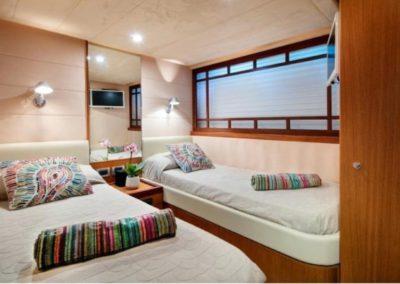 75 Ferretti yacht twin bed cabin