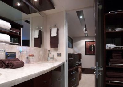 75 Lazzara yacht master bathroom