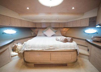 75 Sunseeker yacht master stateroom