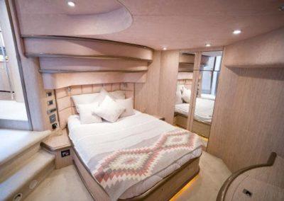 75 Sunseeker yacht guest cabin queen bed