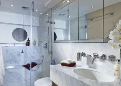 75 Sunseeker yacht master bathroom