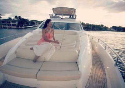 75 Sunseeker yacht bow sunpads