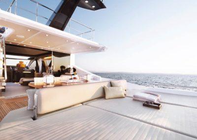 77 Azimut yacht aft sunpads