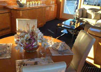 80 Hatteras party yacht salon dining