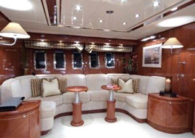 80 Leopard yacht salon