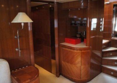 80 Leopard yacht foyer