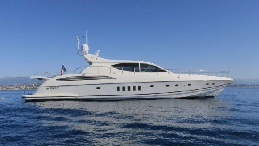 80 Leopard Miami charter motor yacht