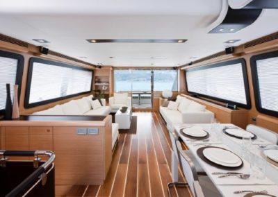 81 Ferretti yacht dining