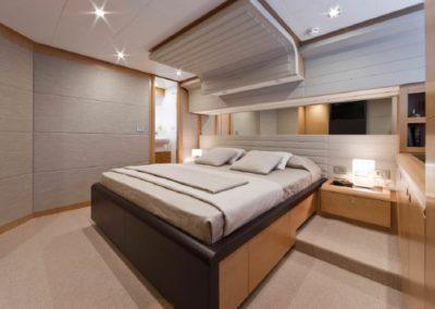 81 Ferretti yacht guest stateroom