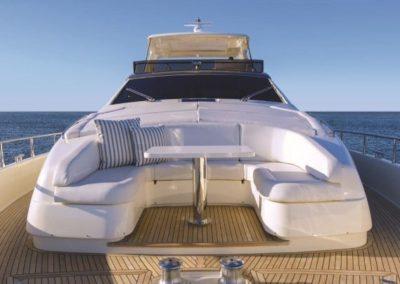 81 Ferretti yacht bow sunpads