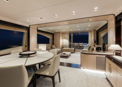 84 Azimut yacht salon dining