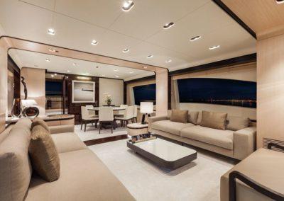 84 Azimut yacht salon