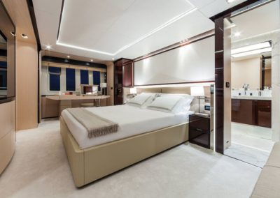 84 Azimut yacht master stateroom