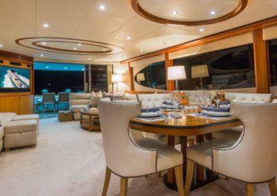 84 Lazzara yacht salon dining