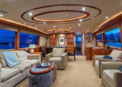 84 Lazzara yacht salon with dining