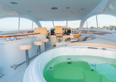 84 Lazzara yacht aft deck jacuzzi