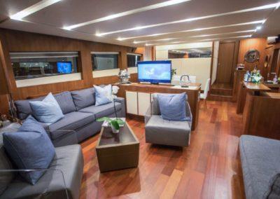 85 Aicon yacht salon
