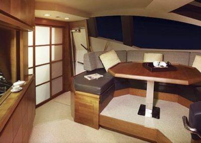 85 Azimut yacht dinette