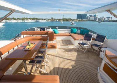 85 Aicon yacht flybridge dining and bar