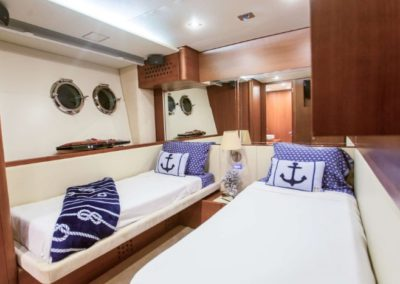 85 Aicon yacht twin beds cabin