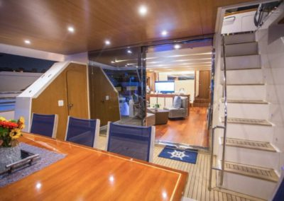 85 Aicon yacht aft deck