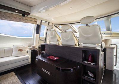86 AzimutS yacht pilot house