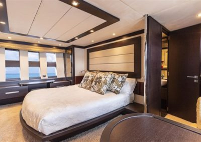 86 AzimutS yacht master stateroom