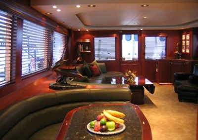 90 Hatteras sportfish yacht salon