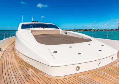 90 Leopard yacht bow sunpads