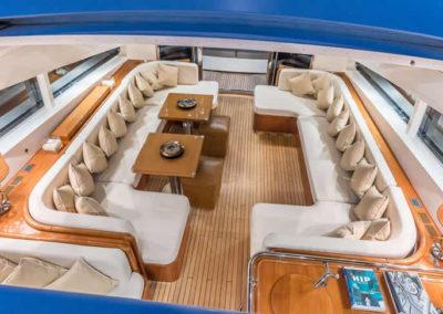 90 Leopard yacht salon dining