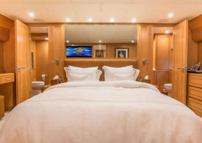 90 Leopard yacht master stateroom