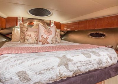 42 Cruisers yacht master cabin