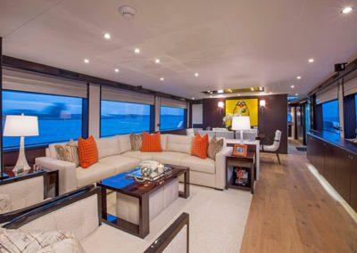 102 Hatteras yacht salon seating