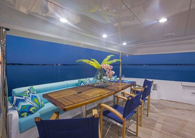 102 Hatteras yacht aft deck seating and dining