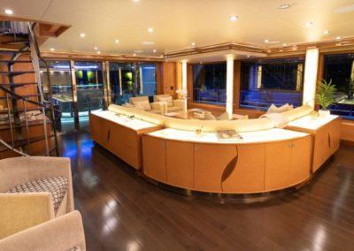 133 IAG yacht salon