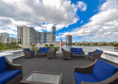 120K Marine party yacht open sky top deck lounge