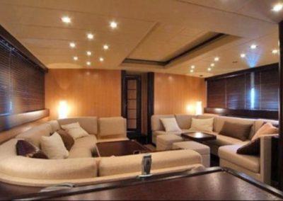 80 Mangusta yacht salon