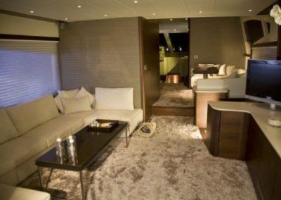 78 Numarine yacht salon
