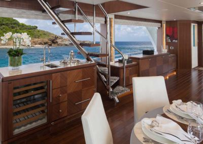 112 Ocean yacht bar and formal dining