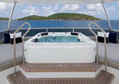 112 Ocean yacht flybridge jacuzzi