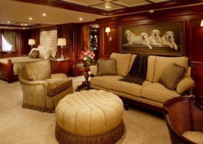 228 Oceanfast yacht master suit