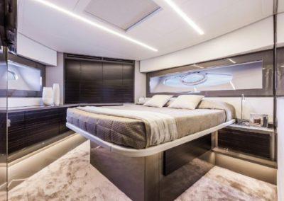 62 Pershing yacht master cabin