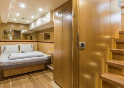 62 Power Catamaran master cabin