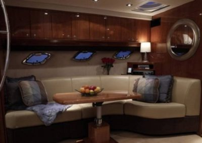 46 Regal yacht salon