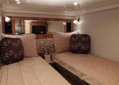 46 Regal yacht twin beds cabin