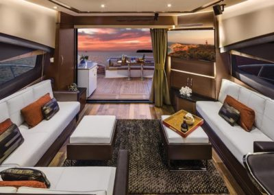 65 Searay yacht salon